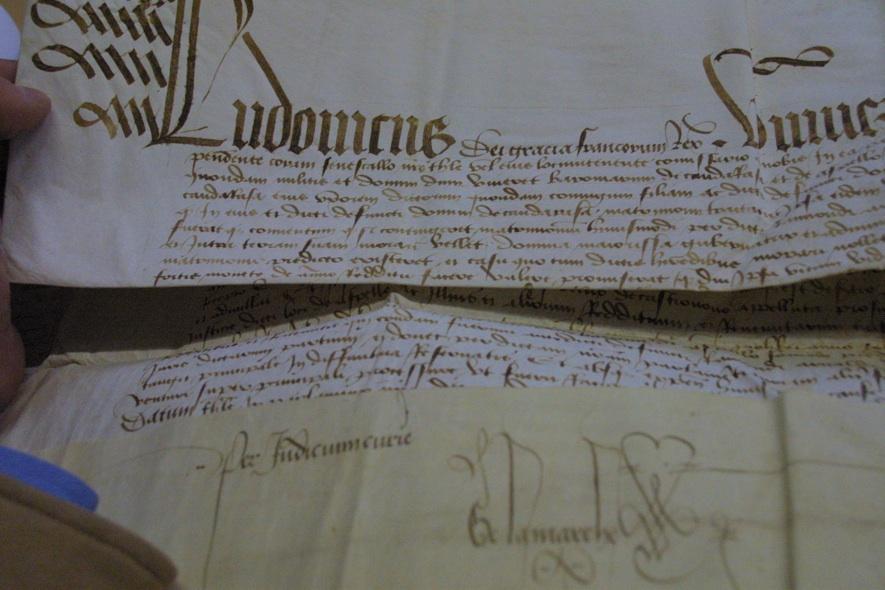 Parchemin de l'acte d'achat d'une terre du comte de Montesquiou à Jean de Carmain