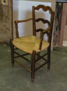 Chaise à bras en paille