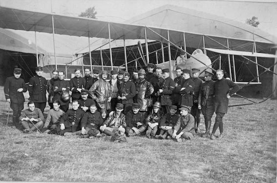 Farman FM7 à Etampes en 1916.